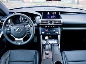 Предпросмотр lexus is fs 2013 водительское место