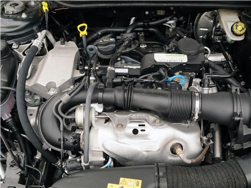 Предпросмотр infiniti q30 2016 двигатель