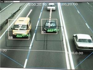 Каждый второй автомобилист в России успел в этом году получить штраф за нарушение скорости