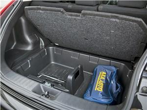 Nissan Juke 2012 багажное отделение