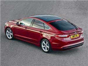 Ford Modeo 2013 вид сзади