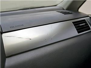 Nissan Tiida 2010 передняя панель