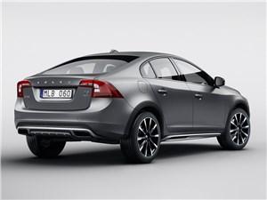 Volvo S60 Cross Country 2016 вид сзади сбоку
