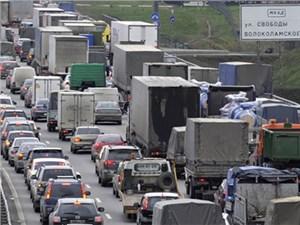Запрет на въезд неэкологичных грузовых автомобилей на территорию Москвы отложили на год