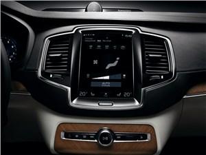 Volvo XC90 2015 монитор