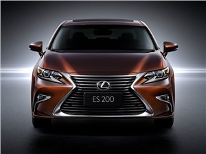 Lexus ES 2016 вид спереди