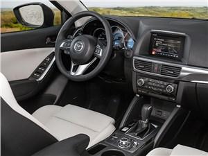 Mazda CX-5 2015 водительское место