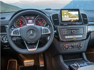 Mercedes-Benz GLE 2016 водительское место
