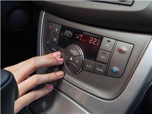 Nissan Sentra 2013 консоль