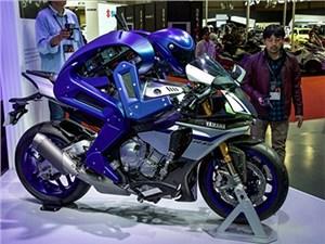 Yamaha показала робота, способного управлять мотоциклом