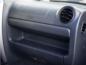 Suzuki Jimny 1998 перчаточный ящик