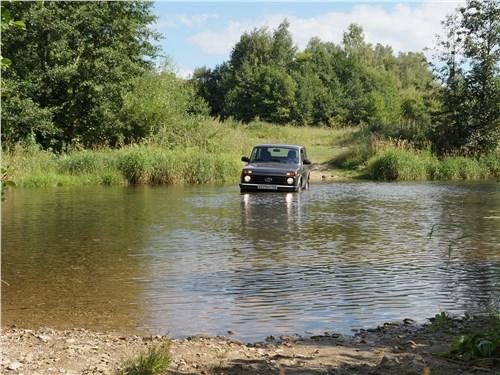 Lada 4x4 2017 водная преграда