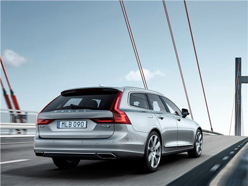 Volvo V90 Estate 2017 вид сзади