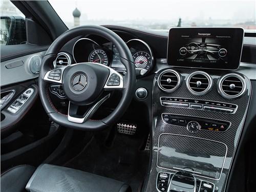 Mercedes-Benz C450 AMG 2016 салон
