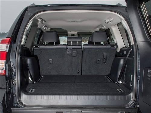 Toyota Land Cruiser Prado 2016 багажное отделение