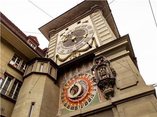 Часовая башня Zytglogge построена в Берне в 1530 году