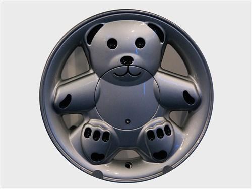 Оригинальный дизайн не отменяет размерных параметров колеса