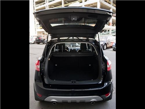 Ford Kuga 2008 багажное отделение