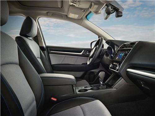 Subaru Legacy 2018 передние кресла