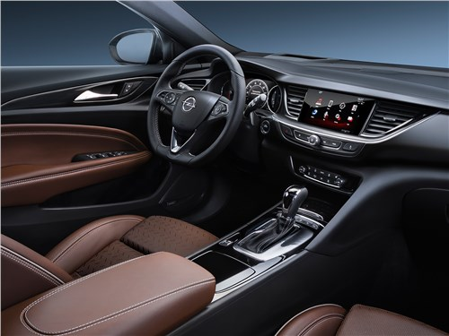 Opel Insignia Country Tourer 2018 салон