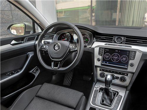 Предпросмотр volkswagen passat variant 2015 салон