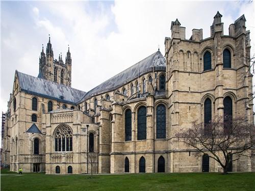 Кентерберийский кафедральный собор на протяжении веков – главный храм англиканской церкви