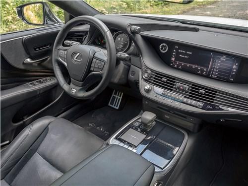 Lexus LS 500 F Sport 2018 салон
