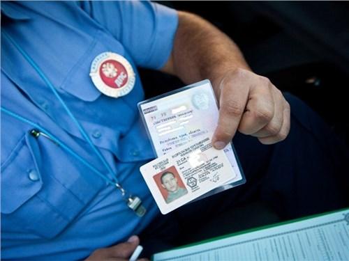 Возраст получения водительских прав будет увеличен