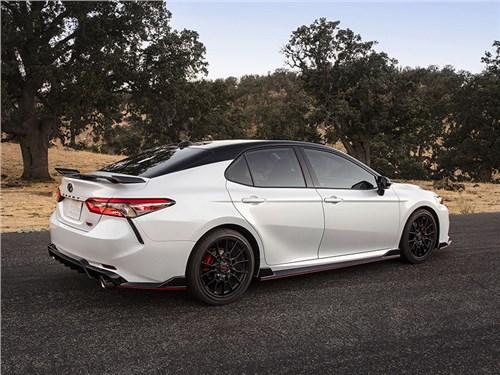 Toyota Camry получила спортивный ген