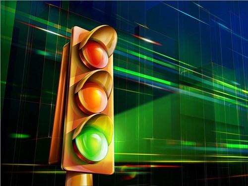Автомобили Audi научились ловить зеленую волну светофоров
