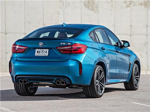 BMW X6 M 2016 вид сзади
