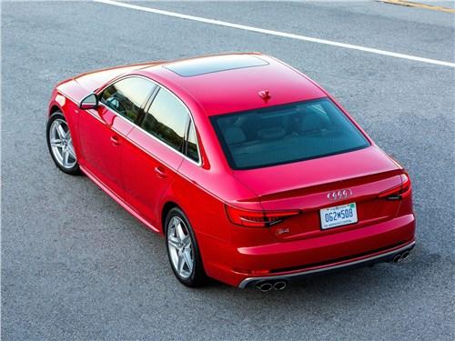 Audi S4 2017 вид сверху