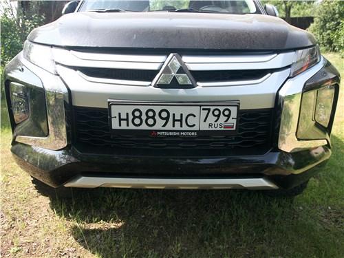 Mitsubishi L200 2020 вид спереди