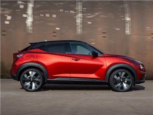 Nissan Juke 2020 вид сбоку