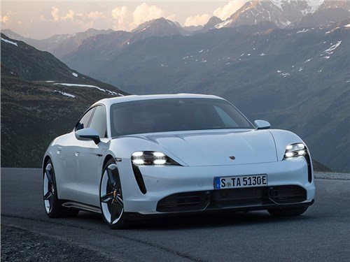 Porsche Taycan представлен официально