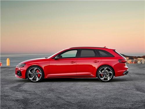 Audi RS4 Avant 2020 вид сбоку