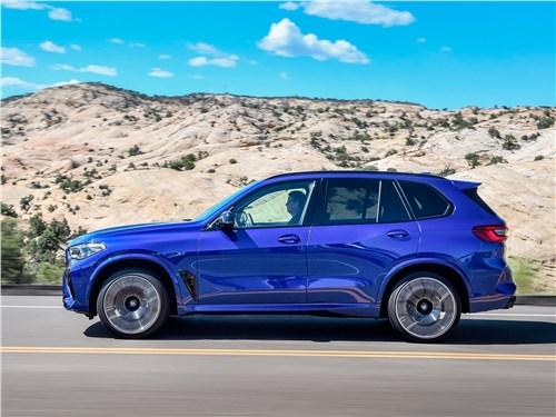 BMW X5 M 2020 вид сбоку