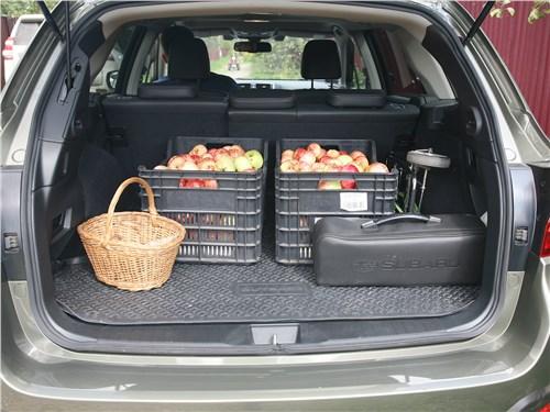 Subaru Outback 2018 багажное отделение