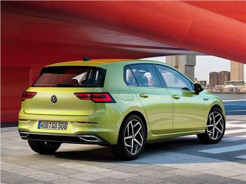 Volkswagen Golf 2020 вид сзади