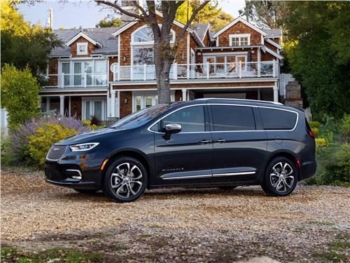 Chrysler Pacifica 2021 вид сбоку