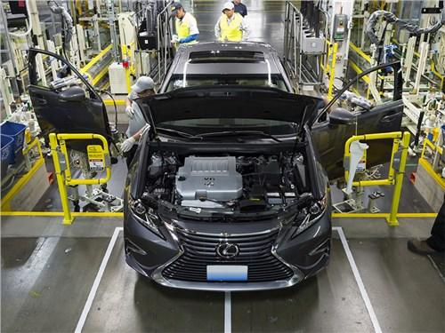 Lexus сокращает производство из-за коронавируса