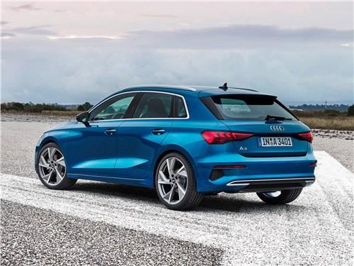 Audi A3 Sportback 2021 вид сзади