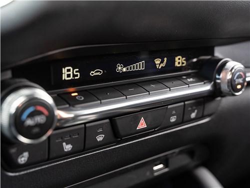 Mazda 3 2019 климат-контроль