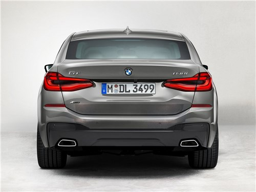 BMW 6-Series Gran Turismo 2021 вид сзади