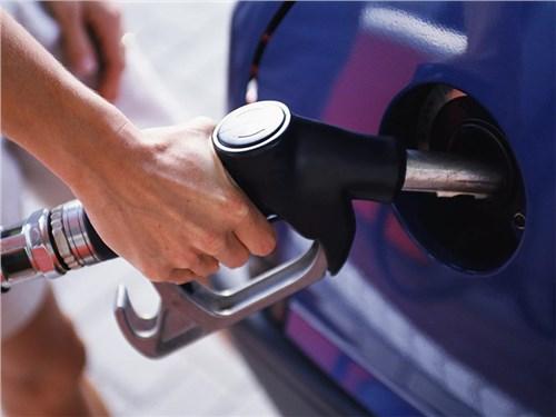 Стало известно, сколько москвичам не доливают топлива на заправках