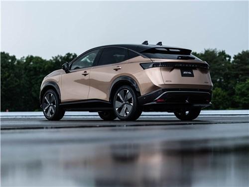 Nissan Ariya (2021) вид сзади