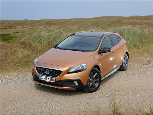 Новость про Volvo - Volvo V40 Cross Country (2014)