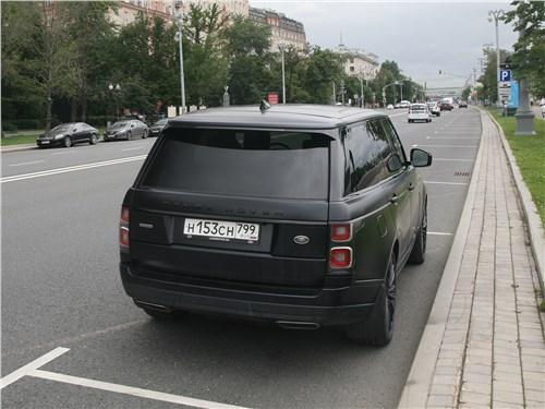 Land Rover Range Rover Autobiography 2018 вид сзади