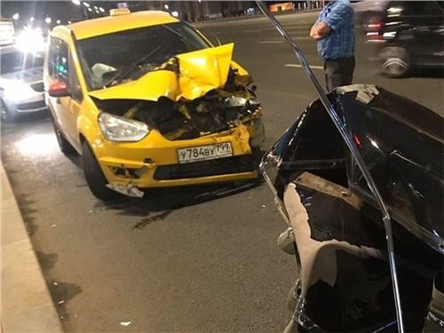 Количество аварий с участием такси в Москве выросло на четверть