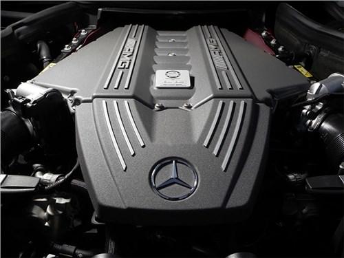 Новость про Mercedes-Benz - Mercedes-Benz не будет делиться с Aston Martin двигателями